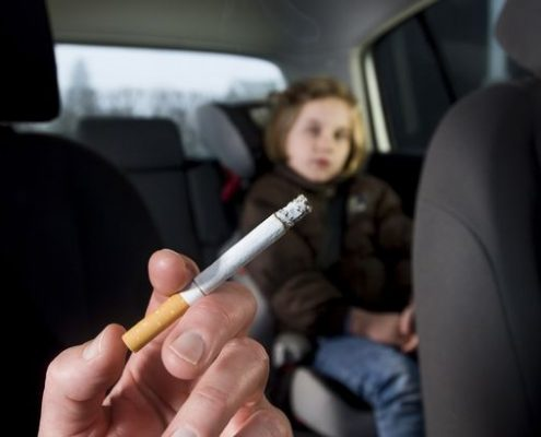 Smoking with child in the car